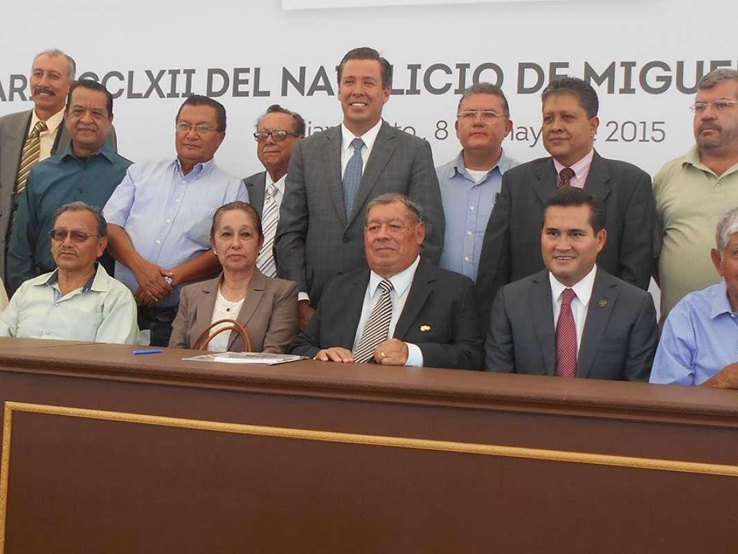 CELEBRAN CRONISTAS SU PRIMER ANIVERSARIO COMO SERVIDORES PÚBLICOS.